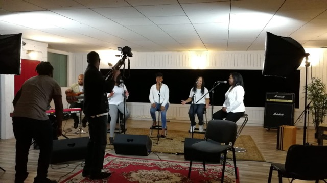 tournage, clip, studio, Aina, Ingrid, Isabelle, Lydie, Jonathan, Murielle, Olivier, Sébastien, Yannick, Yolaine